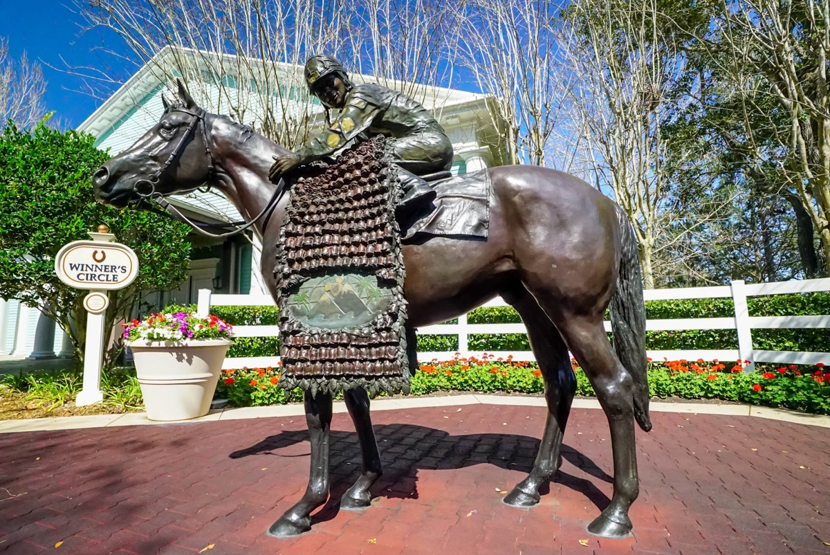 Saratoga Spring Resort | Horse Statue at the Entrance