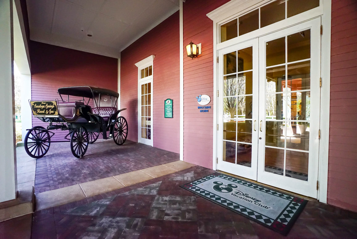 DVC Properties | Entrance to the Lobby at Saratoga Springs