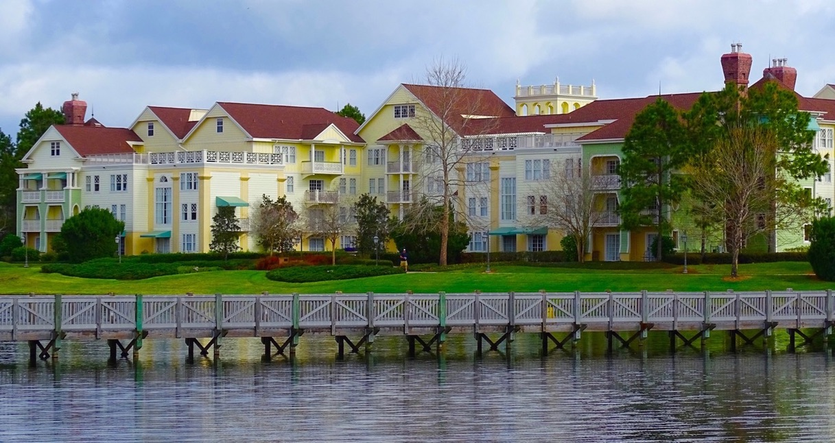 Saratoga Springs Resort | A View of Saratoga Springs Resort By the Lake