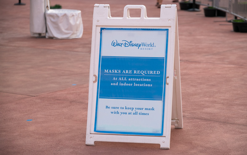 Disney World Resort   A Signage Asking For People To Wear Mask